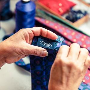Making a Drakes tie, The Rake