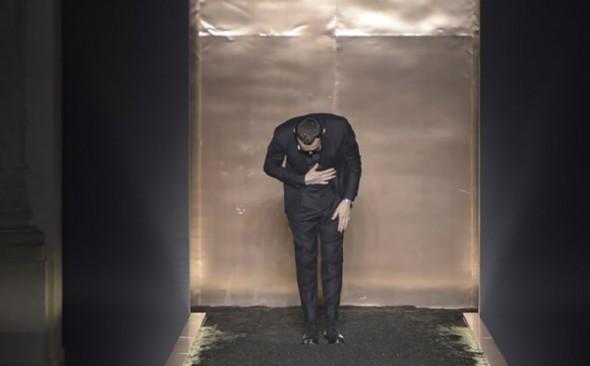 Alessandro Sartori taking a bow at his last Berluti show in Paris