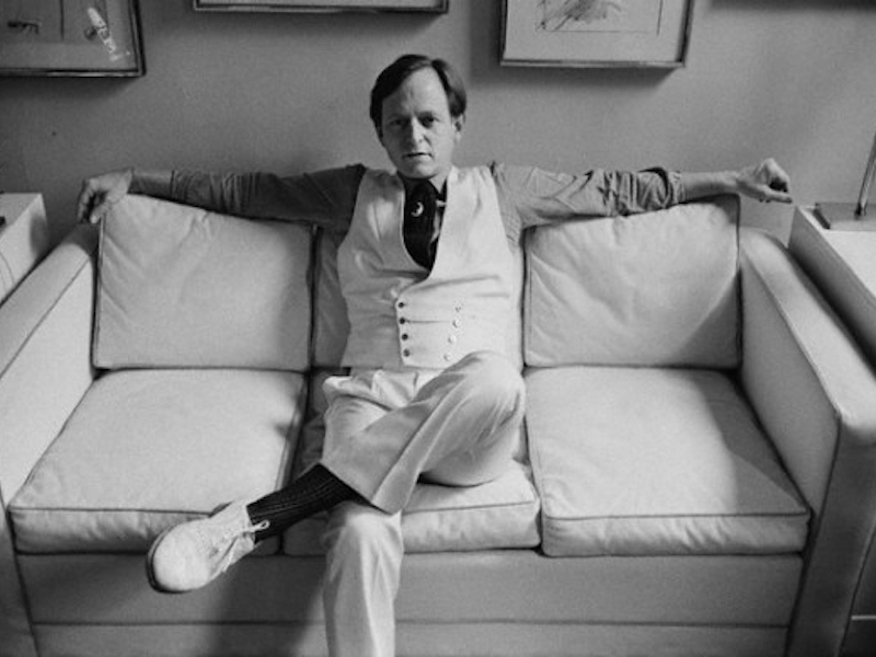 tom wolfe Tom wolfe 1931 - tom wolfe (born march 2, 1931) is an american author and journalist born in richmond, virginia, wolfe took his first newspaper job in 1956 and eventually worked for the washington post and the new york herald tribune among others while there he experimented with using fictional techniques in.
