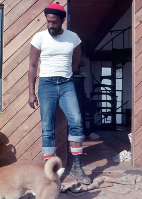 Marvin Gaye wearing a white T-shirt and denim jeans 4f5f7030deb